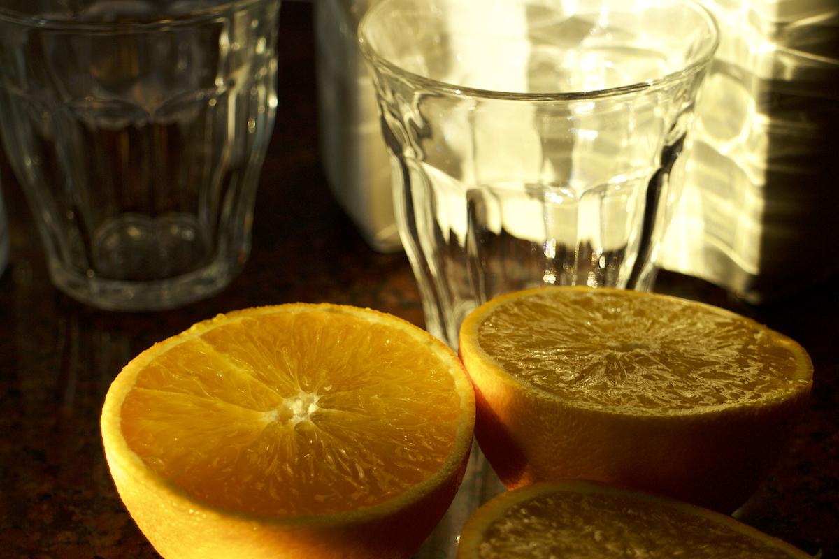 Vers geperst sinaasappeltje